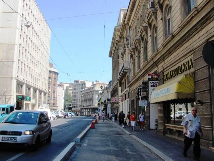 pietonal trotuar extins pe Calea Victoriei