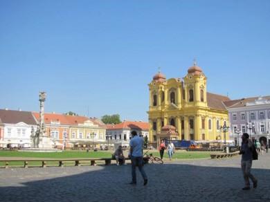 piata unirii toamna la Timisoara