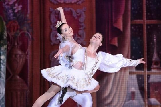 Ansamblul de Stat al Baletului pe Gheata din St. Petersburg(5)