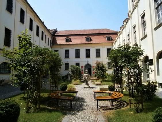 Muzeul Brukenthal - Grădina