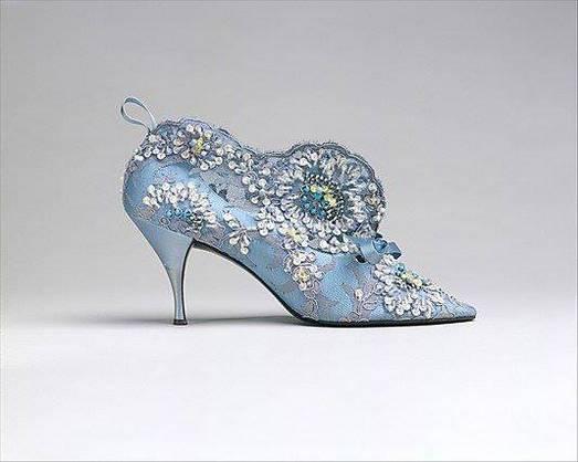 istoria pantofilor