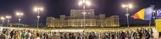 casa poporului noaptea cu proteste