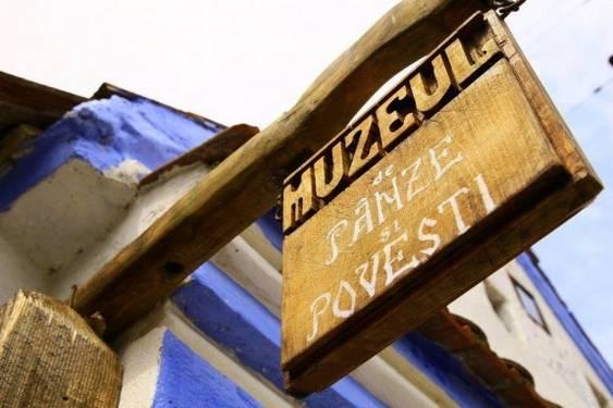 muzeu de panze si povesti