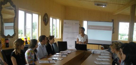 foto seminar la deschiderea Centrului consiliere si orientare  Bucuresti