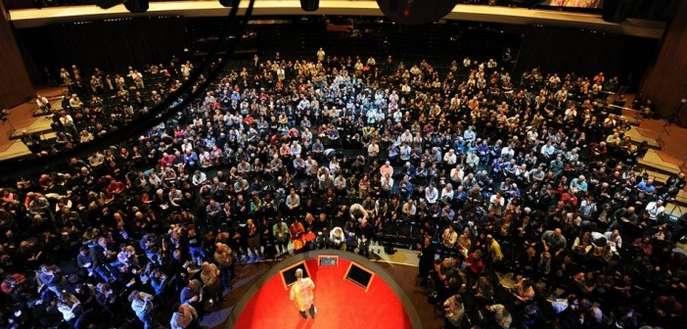 Previziuni de la speakeri vizionari la cea de-a 6-a ediție TEDxBucharest