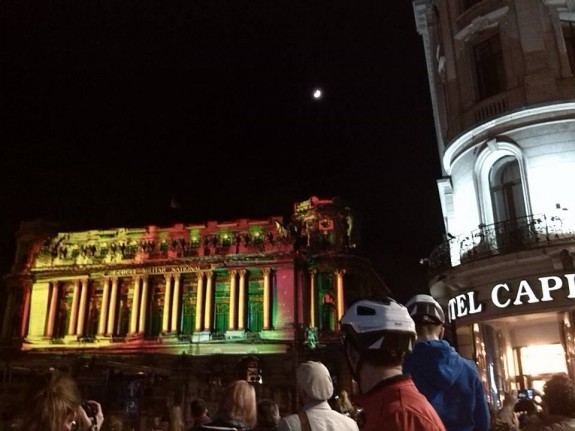 cale victoriei pietonala cercul militar luminat romaniapozitiva