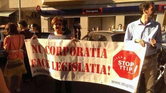 FOTO TTIP