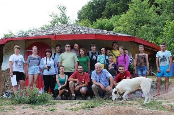 Voluntari casa Vulcanilor