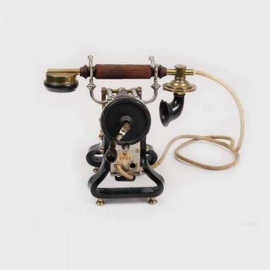 Telefon Ericsson Skeleton