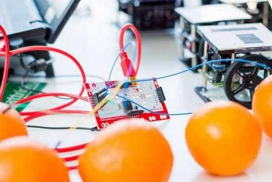 Cursuri de Robotica_academia inventeaza_3