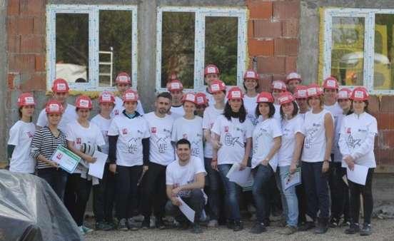 Voluntari Kaufland santier Habitat for Humanity Romania