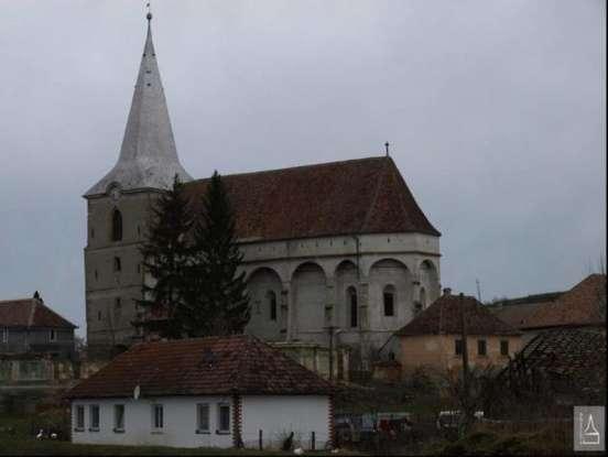 Biserica fortificata din Soars_