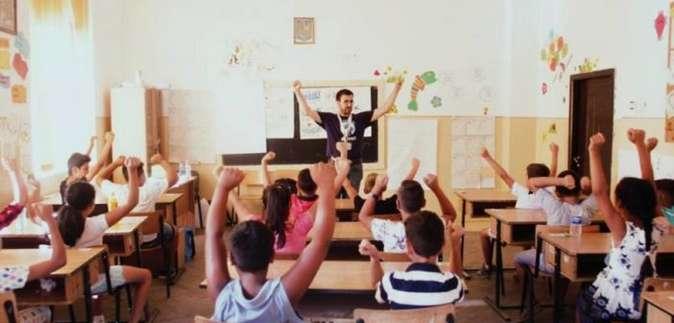 42 de noi participanți în programul Teach for Romania  s-au pregătit în această vară să devină dascăli pentru  copiii din comunități vulnerabile