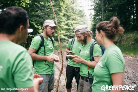 tabara Greenpeace1