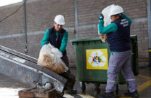 Global-workers-recycling-waste