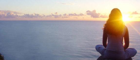beach-sunrise-meditation