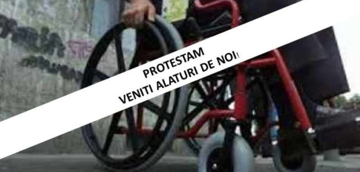 Protest al persoanelor cu dizabilitati! De la 1 septembrie, angajatii cu dizabilitati isi pierd locurile de munca